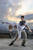 Plenerowy para romantyczny miastowy taniec Zdjęcia Royalty Free