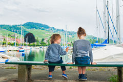 Plenerowy portret uroczy dzieci Fotografia Royalty Free