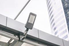 Plenerowy przerzedże dowodzoną latarnię uliczną Zdjęcia Royalty Free