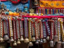 Plenerowy rynek w Nepal, pokazu stół Zdjęcie Stock