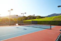 Plenerowy tenisowy sąd z nikt w Malibu Obraz Stock
