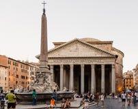 Plenerowy widok panteon Agripa w Rzym pogodny letni dzień Zdjęcia Stock