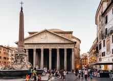 Plenerowy widok panteon Agripa w Rzym pogodny letni dzień Fotografia Stock