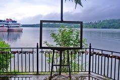 Ples, Russia Vista del fiume Volga con un trasparente il ` del cavalletto del ` Presto ci sarà un temporale pesante fotografia stock libera da diritti