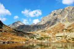 Pleso nad Skokom, высокое Tatras Vysoke Tatry, Словакия стоковое изображение rf