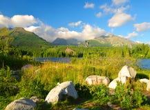 Pleso Strbske λιμνών βουνών στο εθνικό πάρκο υψηλό Tatras Στοκ Φωτογραφία