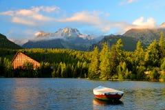 Pleso Strbske λιμνών βουνών Στοκ εικόνα με δικαίωμα ελεύθερης χρήσης