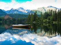 Pleso Strbske λιμνών στα βουνά Tatras Στοκ Εικόνα