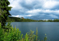 Pleso Strbske λιμνών στα βουνά Tatras Στοκ φωτογραφία με δικαίωμα ελεύθερης χρήσης