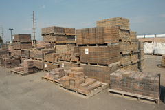Páletes do tijolo Fotos de Stock Royalty Free