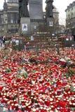 Pletora di candele come tributo a Vaclav Havel Fotografia Stock Libera da Diritti