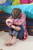 Pleurer de l'adolescence d'anéantissement de fille photos libres de droits