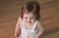 Pleurer fâché de bébé images libres de droits