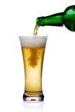 pleuvoir à torrents en verre de bière Photo stock
