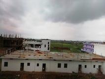 Pleuvoir environ pendant la saison de mousson de l'Indien images libres de droits