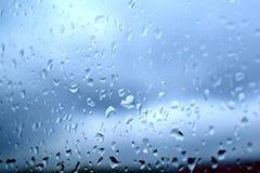 Pleuvoir les baisses images libres de droits