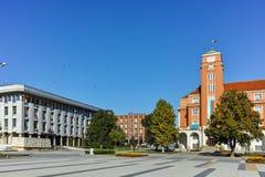 PLEVEN, ΒΟΥΛΓΑΡΊΑ - 20 ΣΕΠΤΕΜΒΡΊΟΥ 2015: Κεντρικό τετράγωνο στην πόλη Pleven Στοκ εικόνες με δικαίωμα ελεύθερης χρήσης
