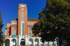 PLEVEN BULGARIEN - 20 SEPTEMBER 2015: Byggnad av stadshuset i mitt av staden av Pleven Royaltyfria Foton