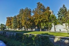 PLEVEN BULGARIEN - 20 SEPTEMBER 2015: Central fyrkant i stad av Pleven Royaltyfria Foton