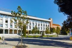PLEVEN BULGARIEN - 20 SEPTEMBER 2015: Central gata i stad av Pleven Royaltyfri Bild
