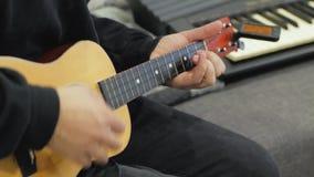 Pleyer delle ukulele stock footage
