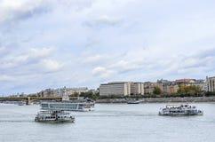Plezierboot op de Rivier van Donau, Boedapest Stock Fotografie