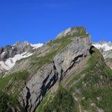 Pli alpin dans la chaîne d'Alpstein Photographie stock libre de droits