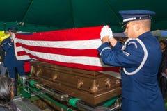 Pliage funèbre de drapeau de l'Armée de l'Air Image stock