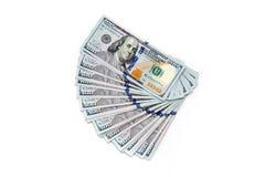 Plik sto dolarowych rachunków rozkładających jak fan Na biały tle bill tła dolara Amerykańscy dolary gotówka zdjęcia stock