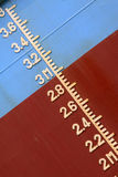 Plimsoll-Kennzeichen auf dem Schiff Lizenzfreies Stockfoto