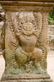 Plinth antique de Garuda de Khmer, temple de Preah Khan Photos libres de droits