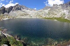 5 plis de Spisskych - tarns dans haut Tatras, Slovaquie Photographie stock libre de droits
