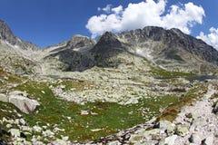 5 plis de Spisskych - tarns dans haut Tatras, Slovaquie Images libres de droits