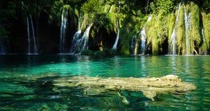 Plitvice湖瀑布场面 免版税图库摄影