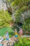 Plitvice National湖的游人 免版税图库摄影