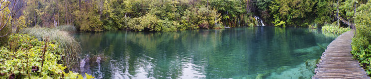 Plitvice sjöar den äldsta nationalparkpanoraman Royaltyfria Foton