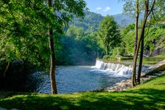 Plivawatervallen in Jacje, Bosnië-Herzegovina royalty-vrije stock afbeeldingen