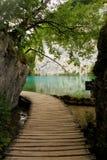 Plivicka湖-通往湖的道路 库存照片