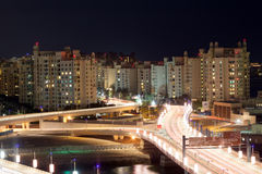 Plm Jumeirah på natten, Dubai Arkivbilder