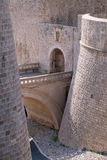 Ploce-Flugsteig einer der Eingangstore zur alten ummauerten Stadt von Dubrovnik Stockfotografie