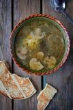 plocka svamp soup Royaltyfria Bilder