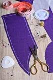 Plockning av silkespappret Arkivfoton
