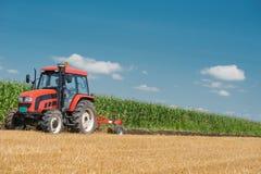 Ploga för traktor Royaltyfri Foto