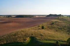 Plogad jord i horisontallandskap Royaltyfri Fotografi
