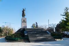 Ploiesti, Roemenië - Februari 17, 2019: Mihai Viteazul-standbeeldmonument dat in Ploiesti, Prahova, Roemenië wordt gesitueerd stock afbeelding