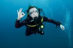 Plongeur autonome de femme Image stock