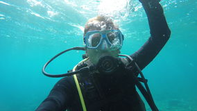 Plongeur autonome sous-marin banque de vidéos