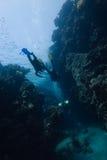 Plongeur avec des sunrays Images stock