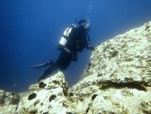 Plongeur sous-marin sous-marin Piqué de scaphandre Images libres de droits