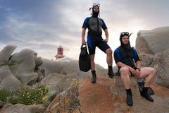 Plongeurs autonomes sur l'île Photos libres de droits